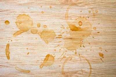 Taches auréoles sur bois
