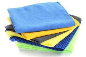 Comment s quiper pour d buter le nettoyage avec la microfibre - Comment nettoyer un fauteuil en microfibre ...
